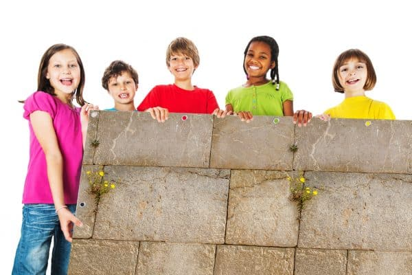 myfence Sichtschutz Sami mit Kindern