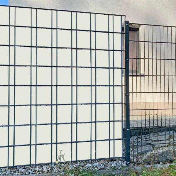 Grauweiß Sichtschutzstreifen myfence Anwendung