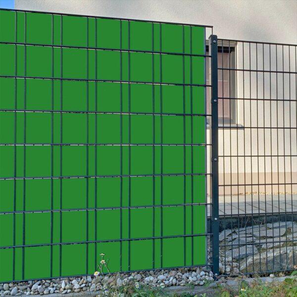 Maigrün Sichtschutzstreifen myfence Anwendung