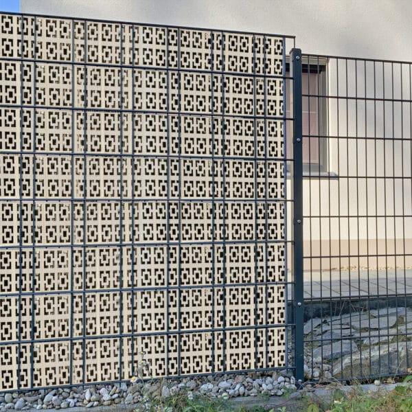 Rosetta Quadrat ohne versatz Sichtschutzstreifen myfence Anwendung
