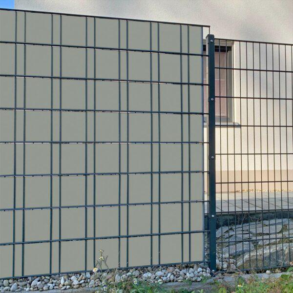 Steingrau Sichtschutzstreifen myfence Anwendung